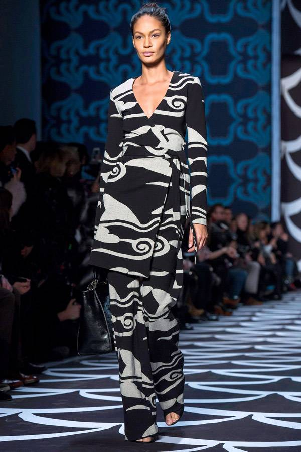 A-model-presents-a-creation-from-the-Diane-von-Furstenberg-Fall-2014-collection-during-New-York-Fashion-Week-February-9-2014-